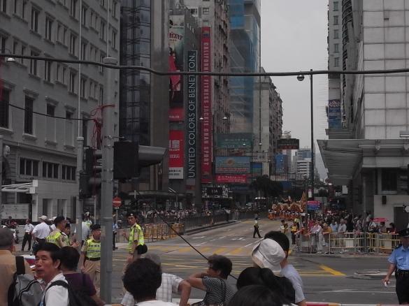 パレードで通行止めのネイザンロード