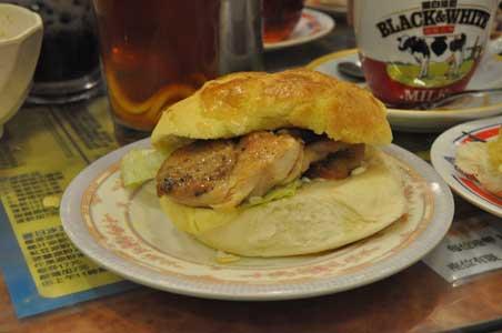 菠蘿包・鶏肉グリルサンド - 金華冰廳