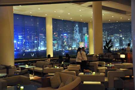 晩のラウンジ - インターコンチネンタル香港