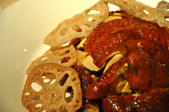 丸鶏の素揚げ - 明閣 Ming Court