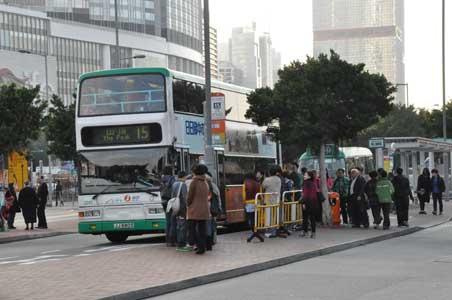 バス15番 - 香港の春節花火大会