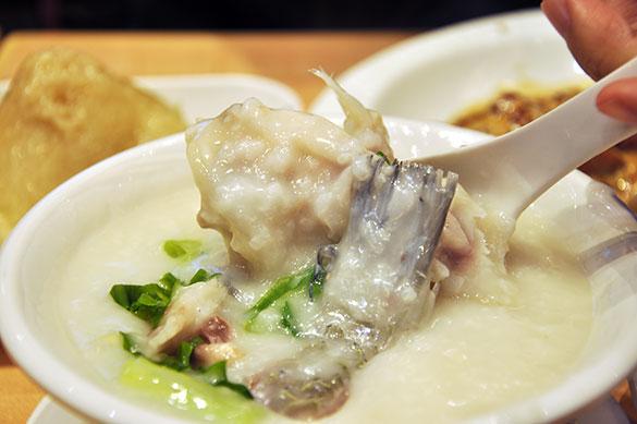 魚のかまと尾のお粥 - 靠得住靚粥 Congee King (湾仔)