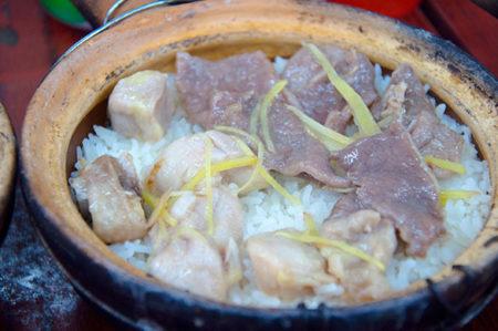 牛肉排骨飯 - 四季煲仔飯