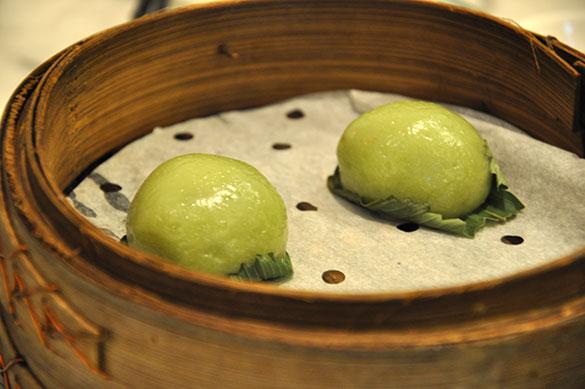 小豆入り緑茶饅頭 - 1881ヘリテージ 隆濤院