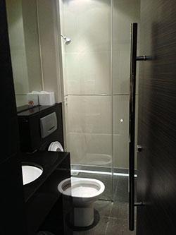 シャワールーム - 香港国際空港 到着ラウンジ「プラザプレミアムラウンジ」