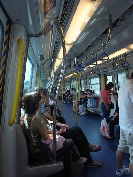 港鐵MTRの車内