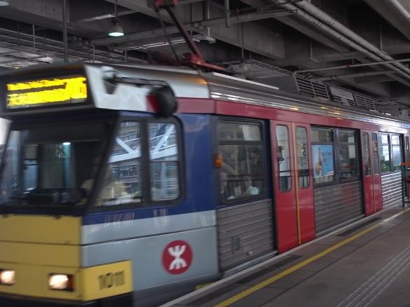 軽鐵MTR 天水圍駅