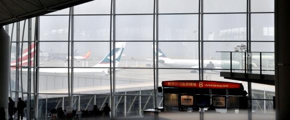 香港国際空港 - 世界!弾丸トラベラー香港