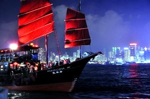 アクア・ルナ - 世界!弾丸トラベラー香港