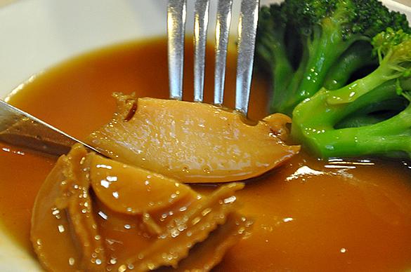 アワビのしょうゆ煮 - 竹園海鮮飯店