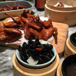 ハトを丸かぶり!モダン点心と広東料理の「唐宮小聚 Social Place」